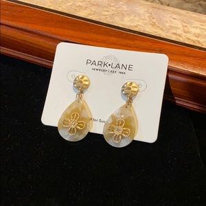 NWT Park Lane Clementine Earrings